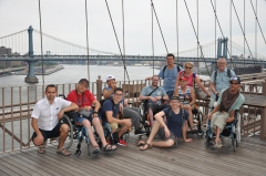 J7-Photo-groupe-pont-de-brooklyn.JPG
