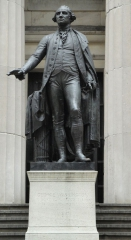 800px-George_Washington_Statue_at_Federal_Hall.JPG